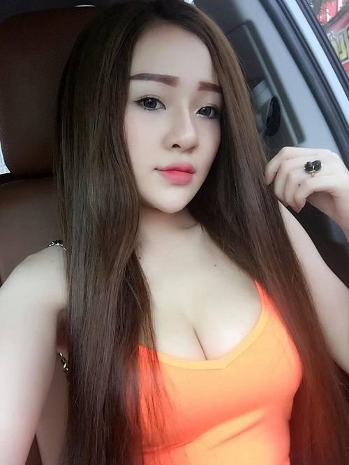 Vòng 1 đẹp nhất showbiz Việt