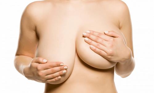 ngực lệch