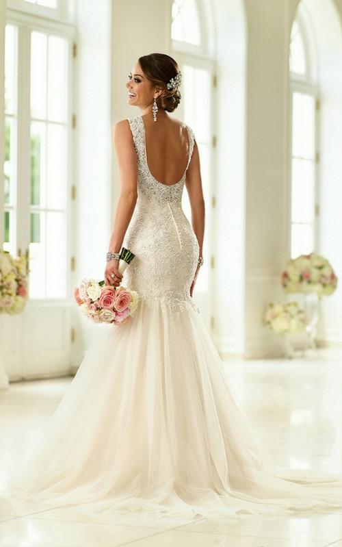áo độn ngực mặc váy cưới