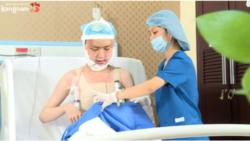 Trần Ngọc Sang phẫu thuật thẩm mỹ
